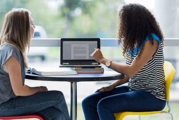 Las escuelas amistosas se abren con métodos de enseñanza modernos
